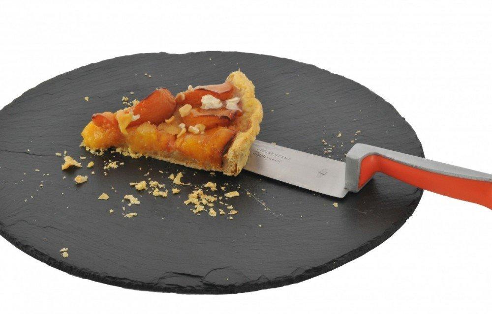 Accessoire de table tout en un avec ce couteau à dessert mêlé à une pelle.