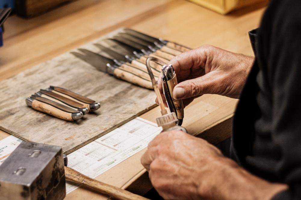 fabrication d'un couteau laguiole authentique